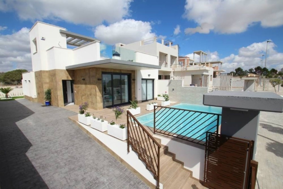Chalet in Te koop In  Orihuela