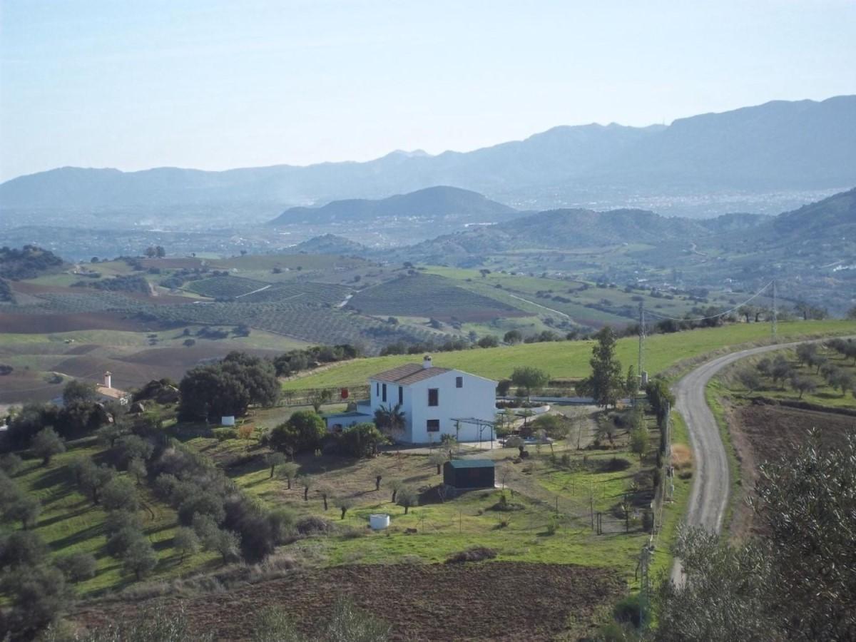 Casa Rural en Venta en  Alozaina