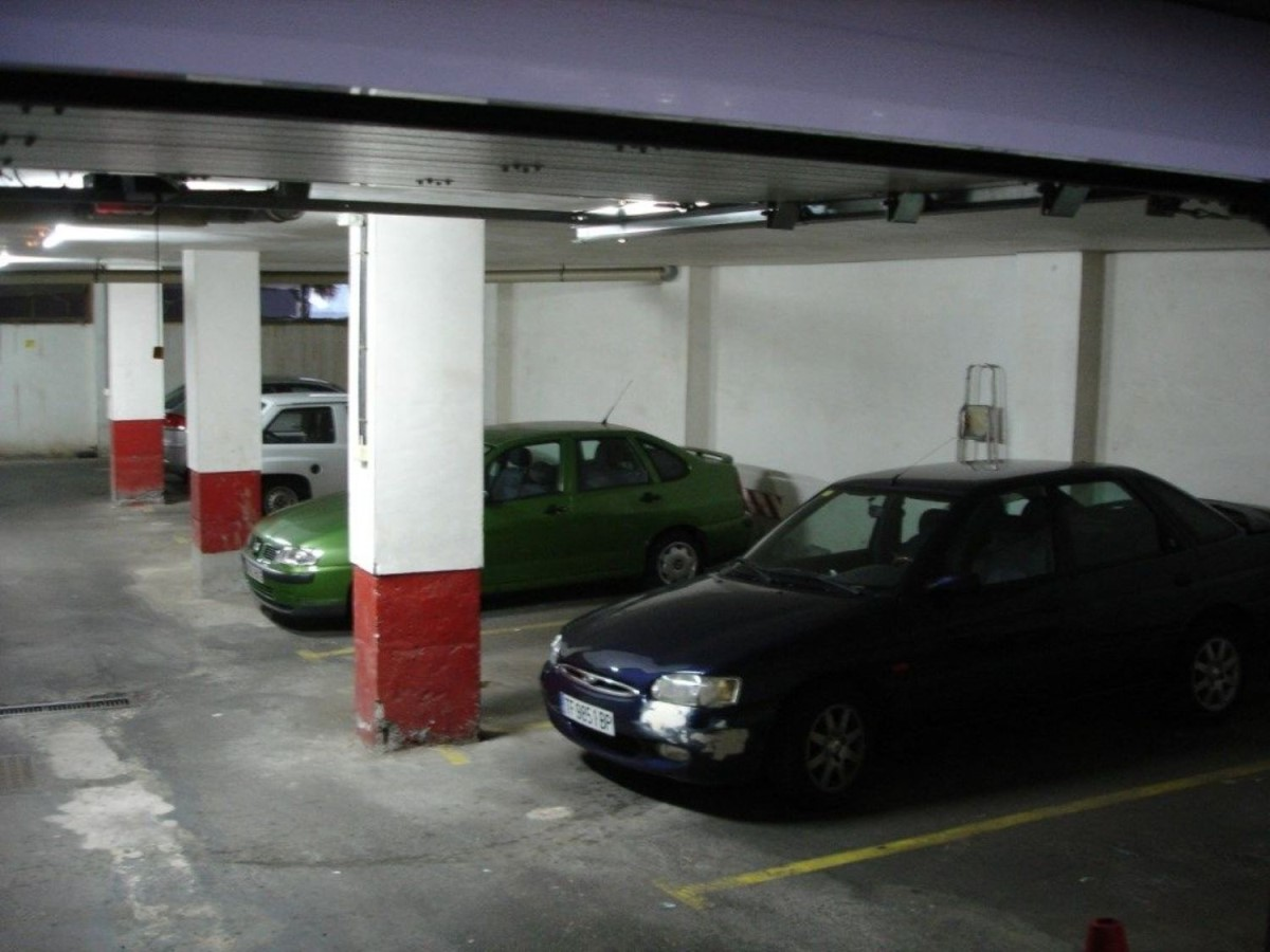 Parking  For Sale in  Candelaria