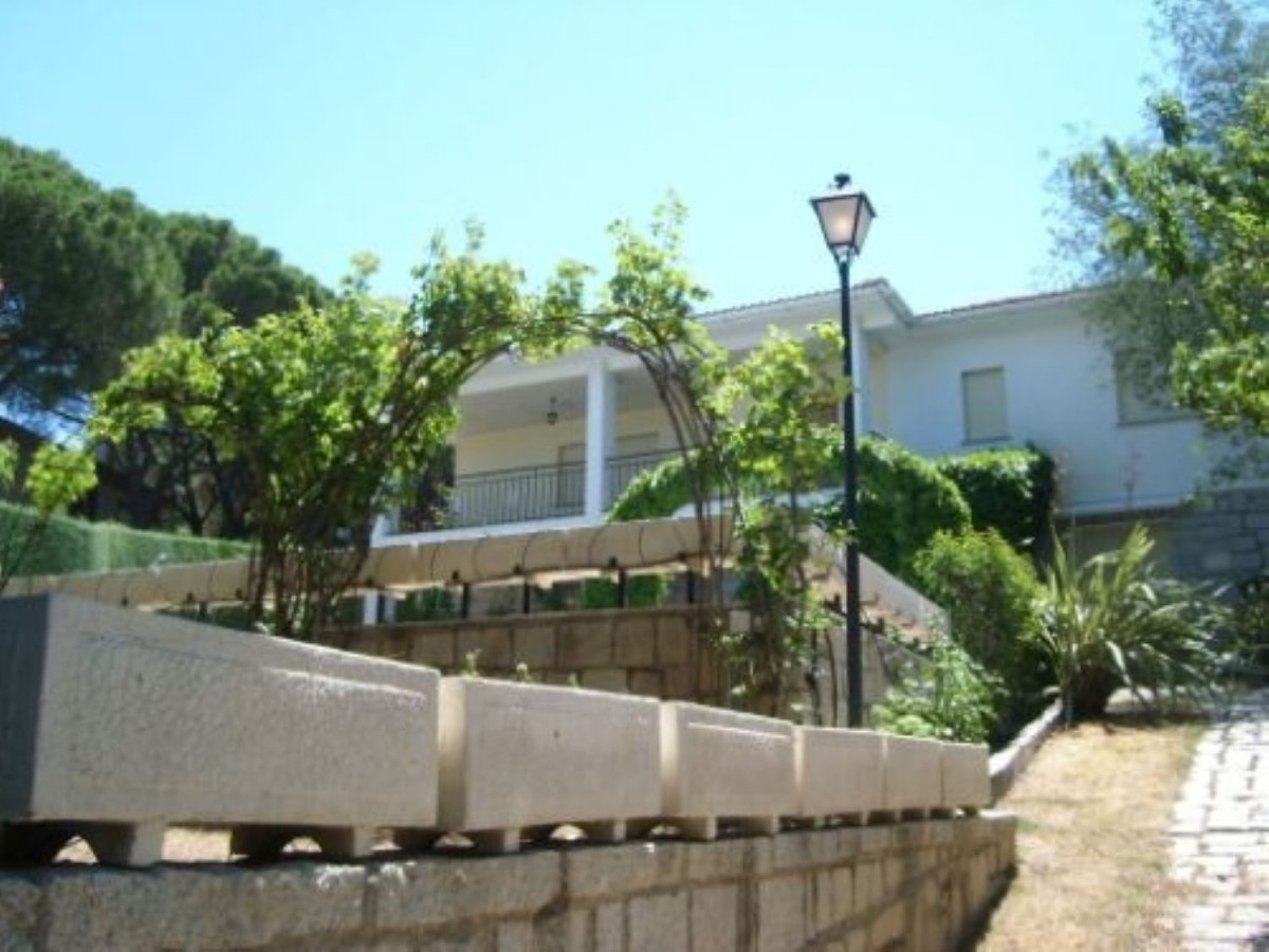 House  For Sale in  Almorox
