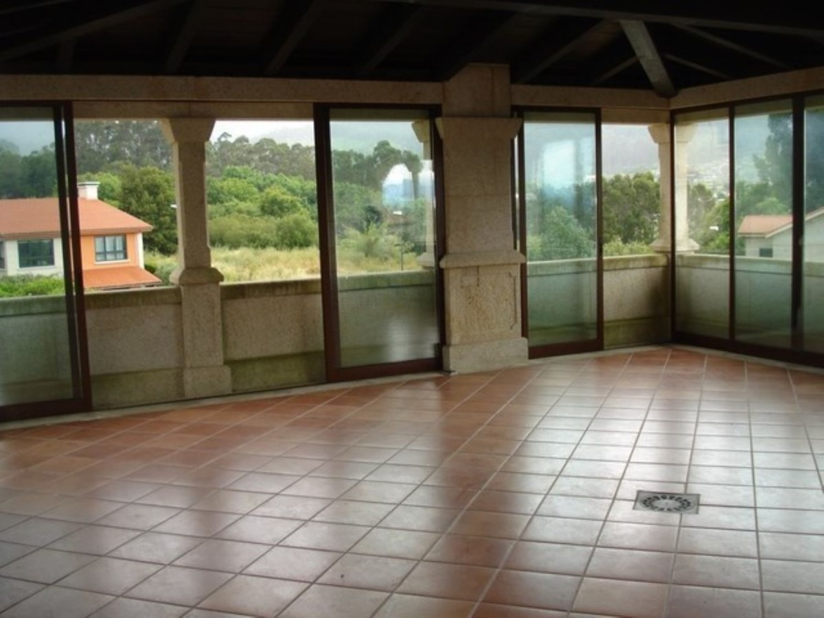House  For Sale in  Tui