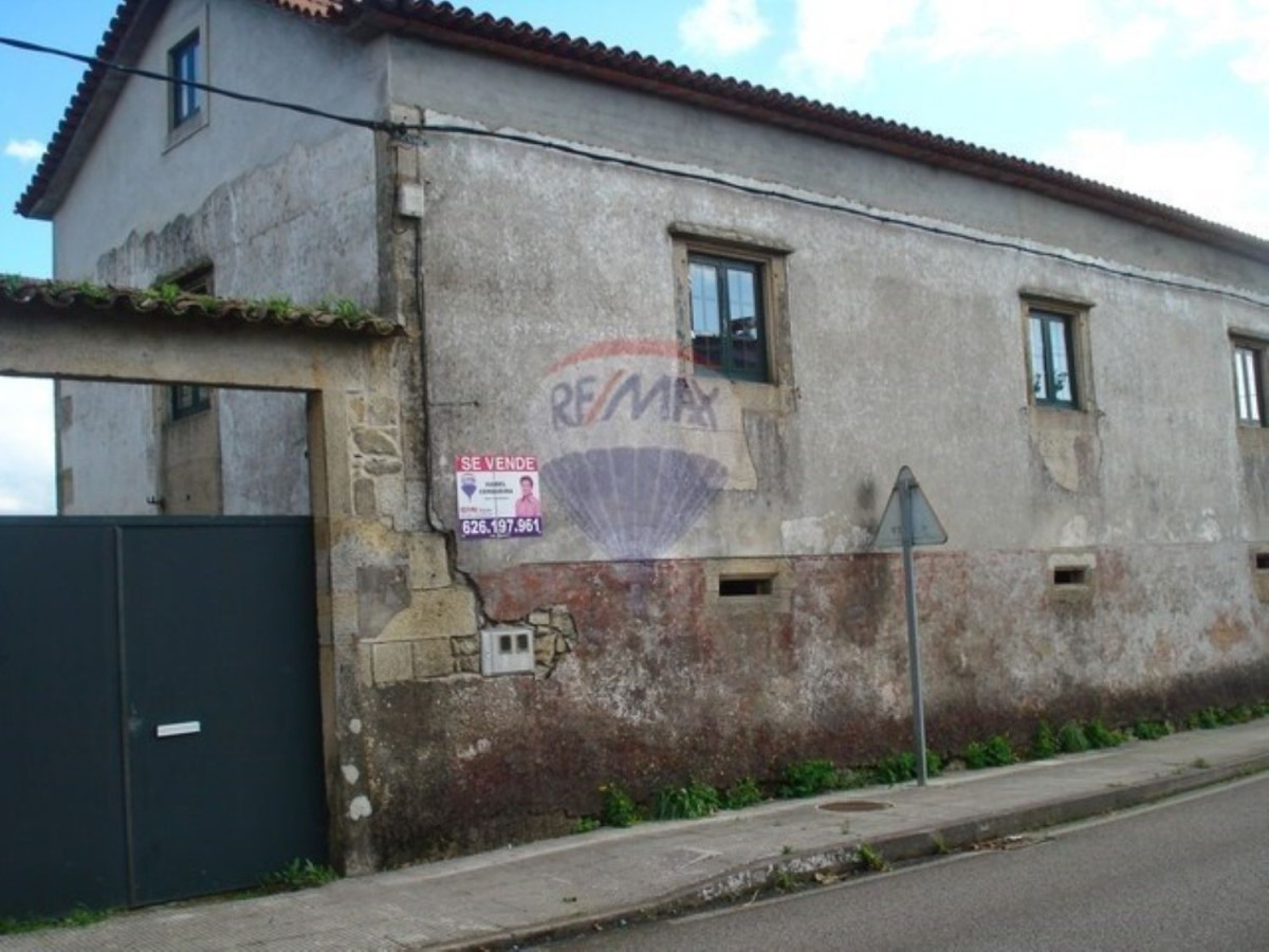 House  For Sale in  Guarda, A