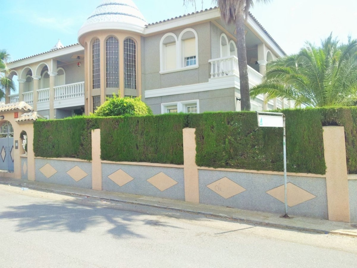 House  For Sale in El Acequión - Los Naúfragos, Torrevieja