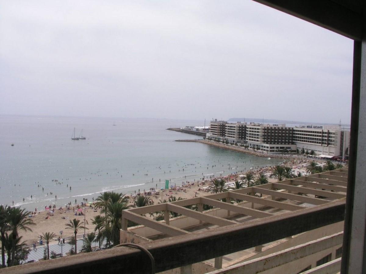Piso en Alquiler en Centro, Alicante/Alacant