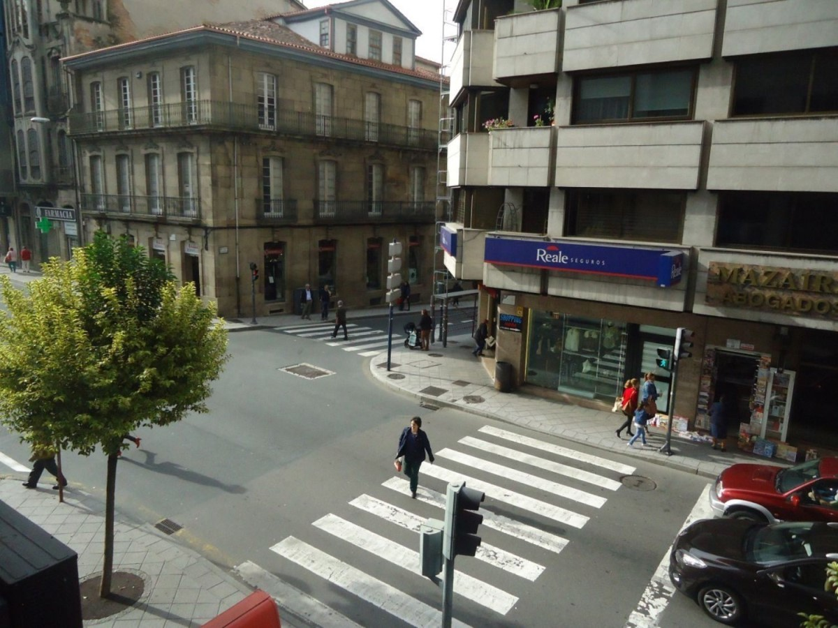 Office  For Rent in  Ourense