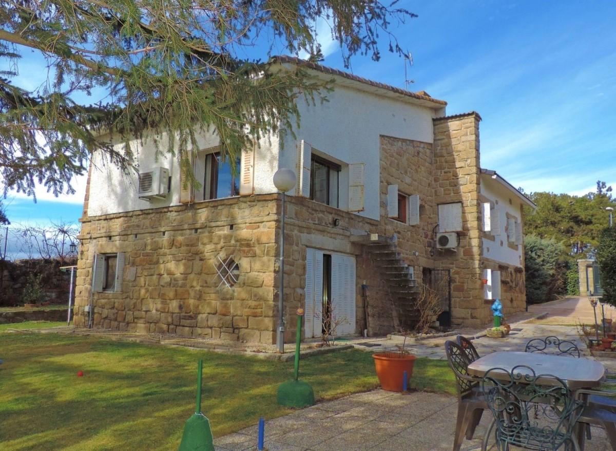 Casa Rural en Venta en  Guadarrama
