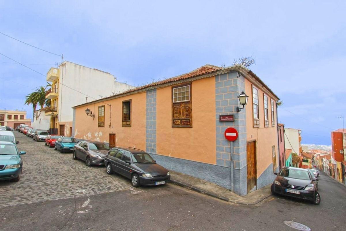 House  For Sale in  Orotava, La