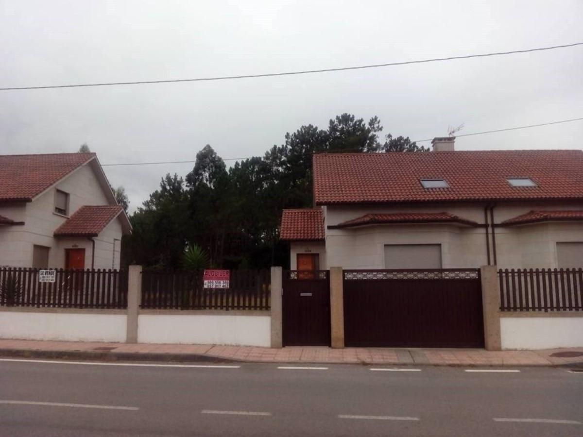 Chalet Adosado en Venta en  Valga