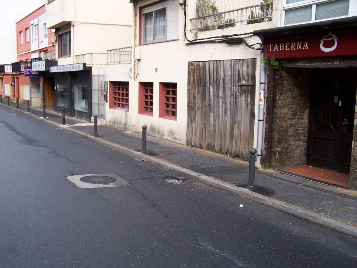Local Comercial en Venta en  Oleiros