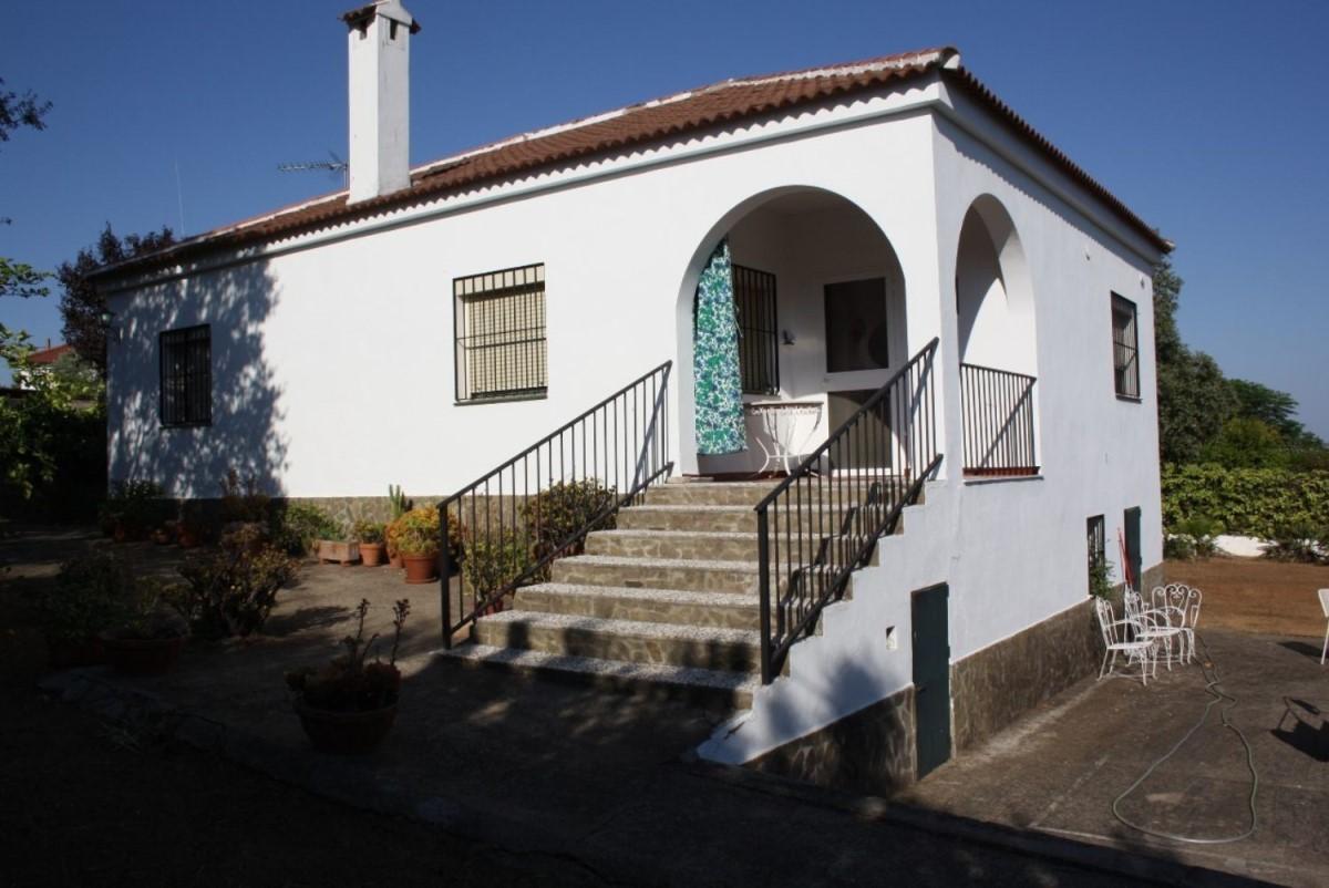Chalet en Venta en  Castilblanco de los Arroyos