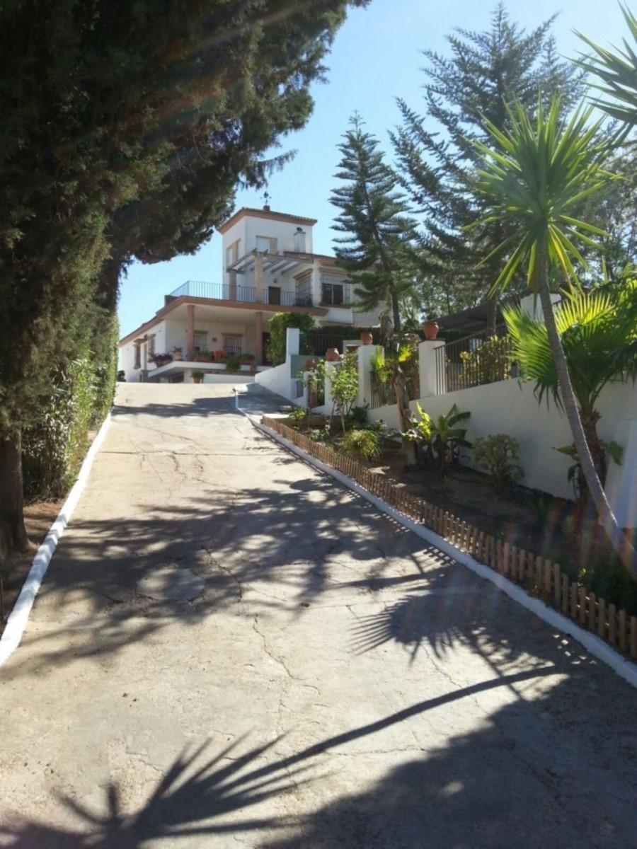 Chalet en Venta en  Olivares
