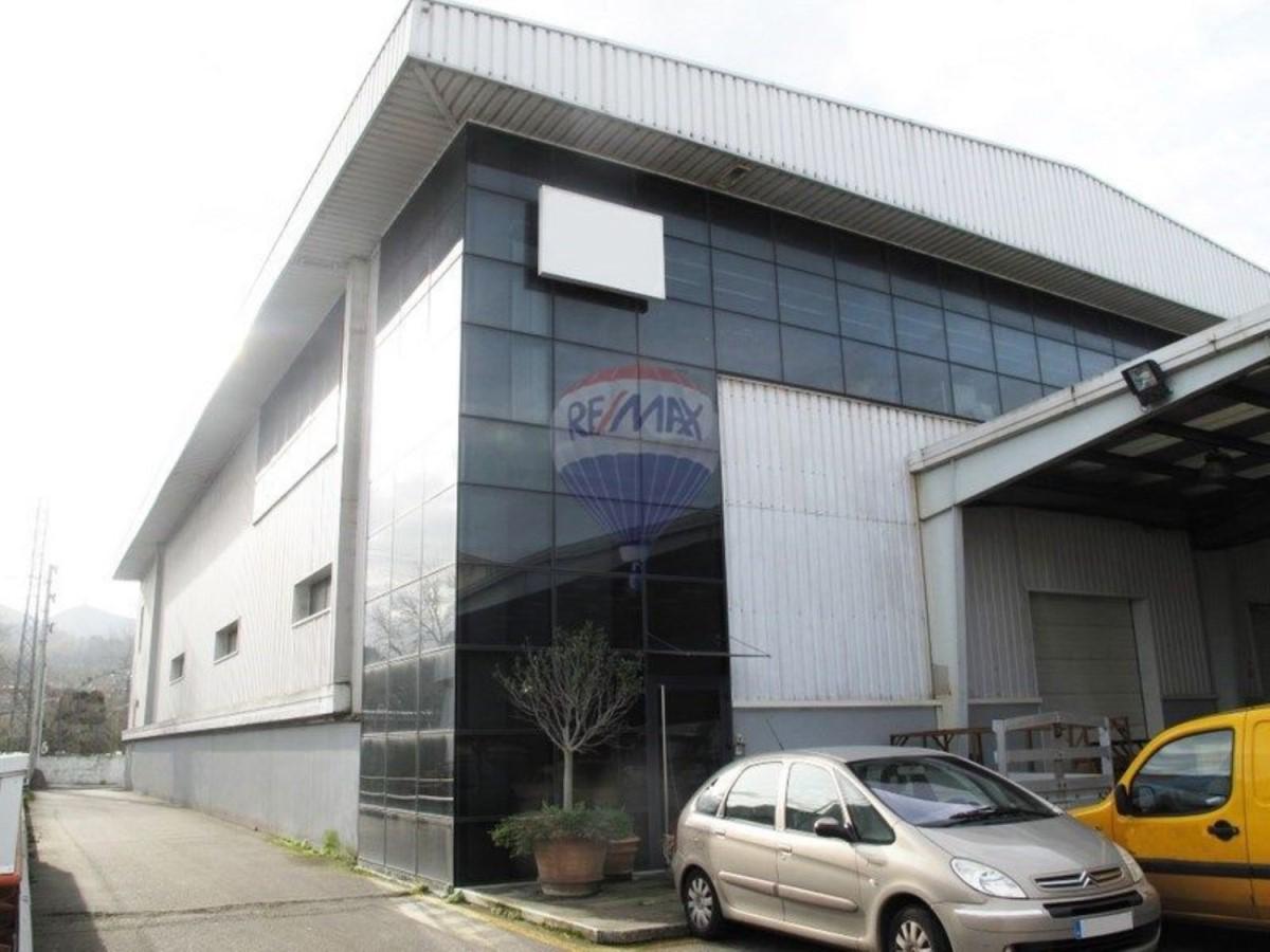 Nave Industrial en Venta en  Vigo