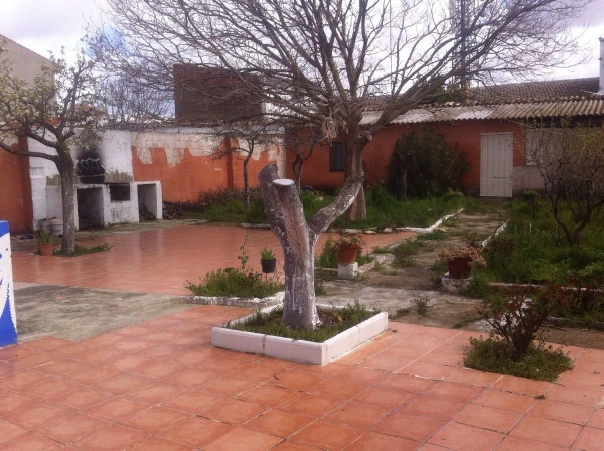 Chalet Adosado en Venta en  Socuéllamos