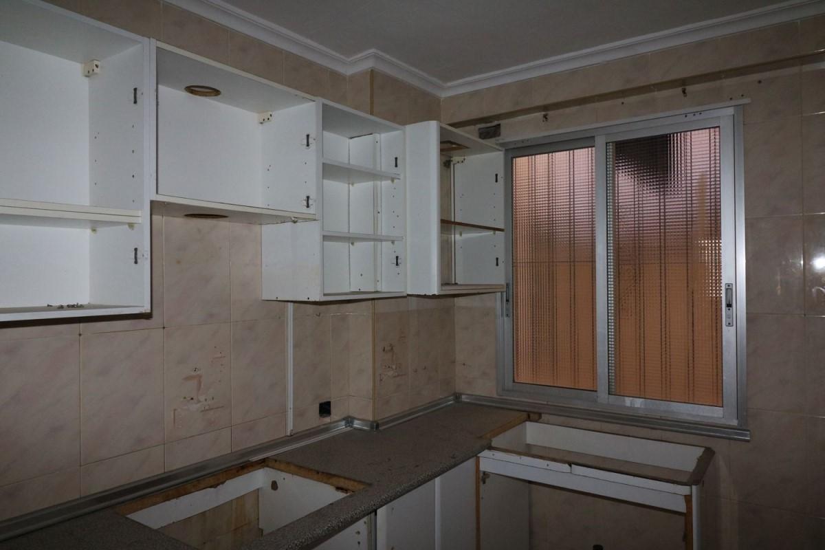 Apartment  For Sale in Los Ángeles-Tómbola-San Nicolás, Alicante/Alacant
