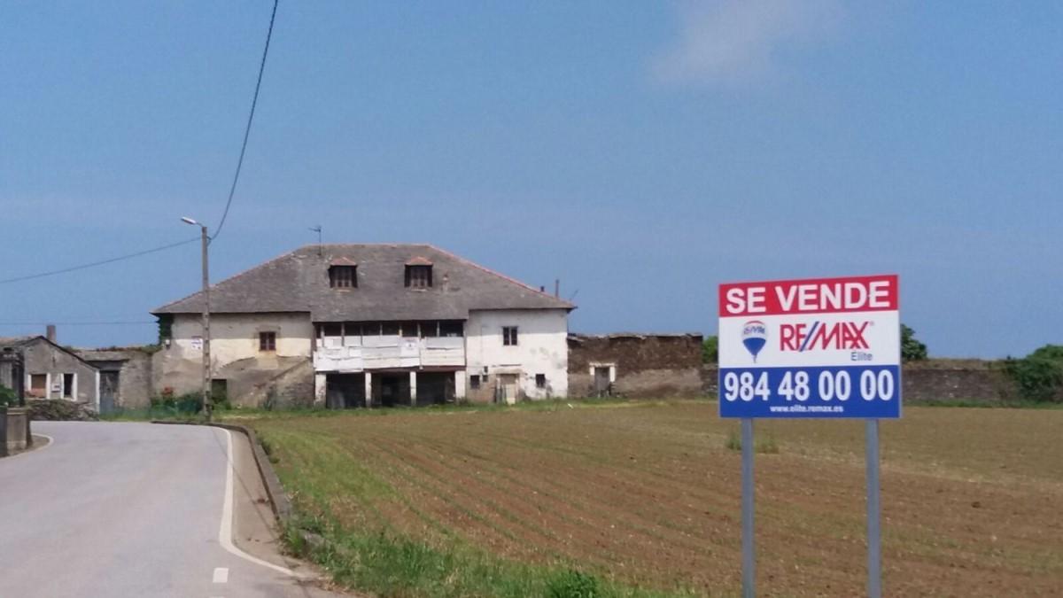 Casa Rural en Venta en  Navia