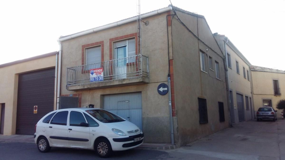 Chalet Adosado en Venta en  Cantalpino