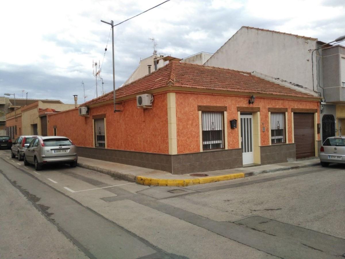 Chalet Adosado en Venta en  Montesinos, Los