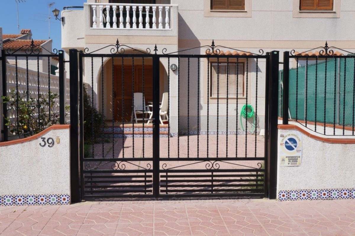 Chalet Adosado en Venta en Urbanizaciones, Guardamar del Segura