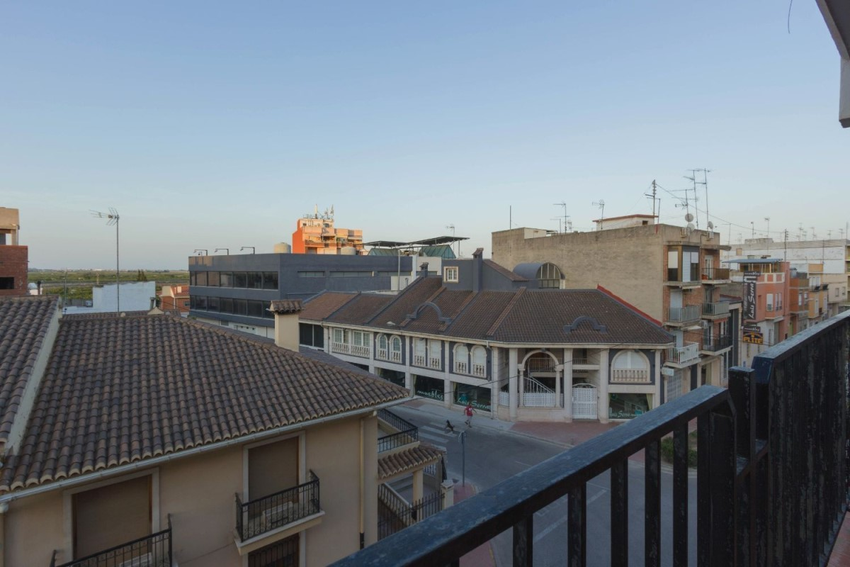 Apartment  For Sale in  Corbera