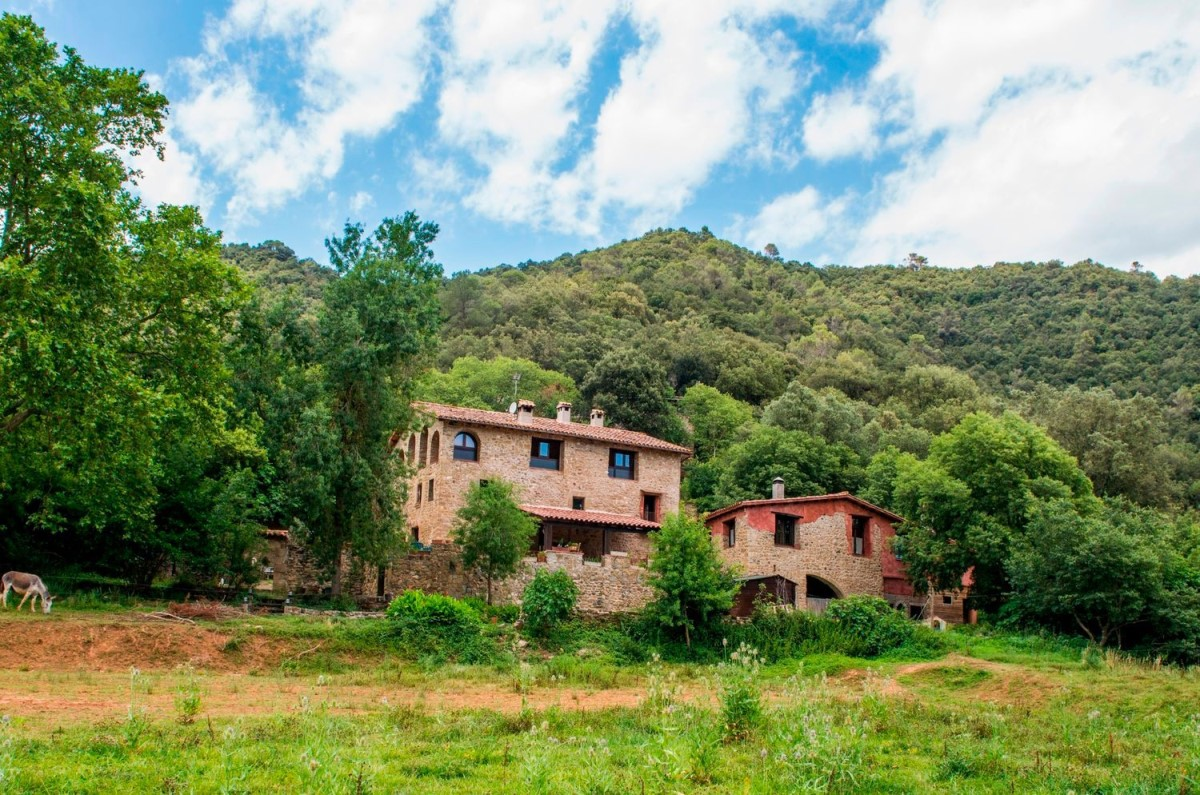Casa Rural en Venta en  Besalú
