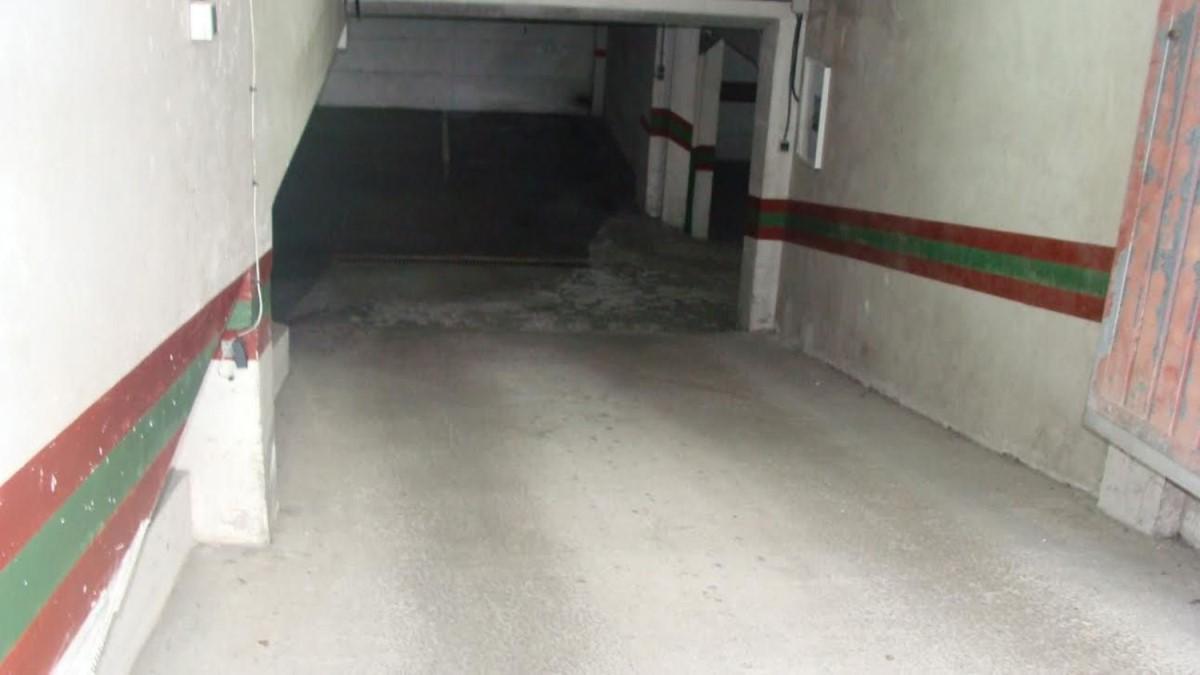 Garaje en Alquiler en  Negreira