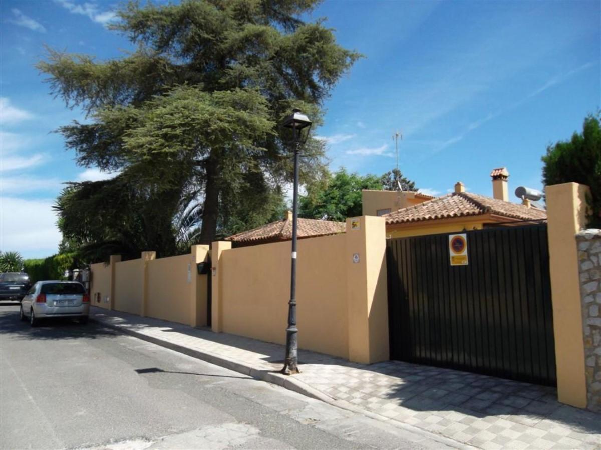 Chalet en Venta en  Espartinas