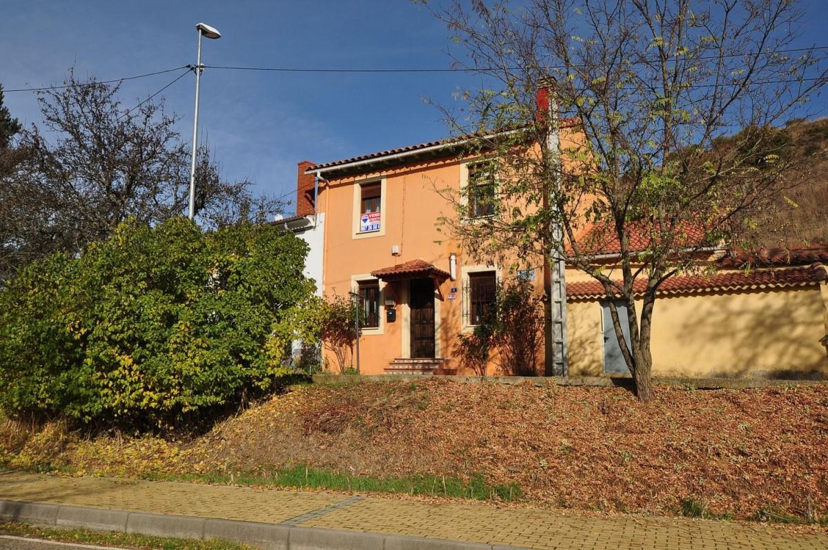Casa Rural en Venta en  Soto y Amío