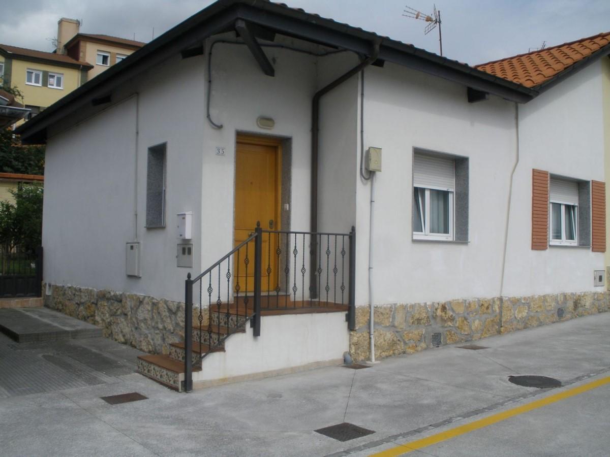 Chalet Adosado en Venta en Pontón De Vaqueros, Oviedo