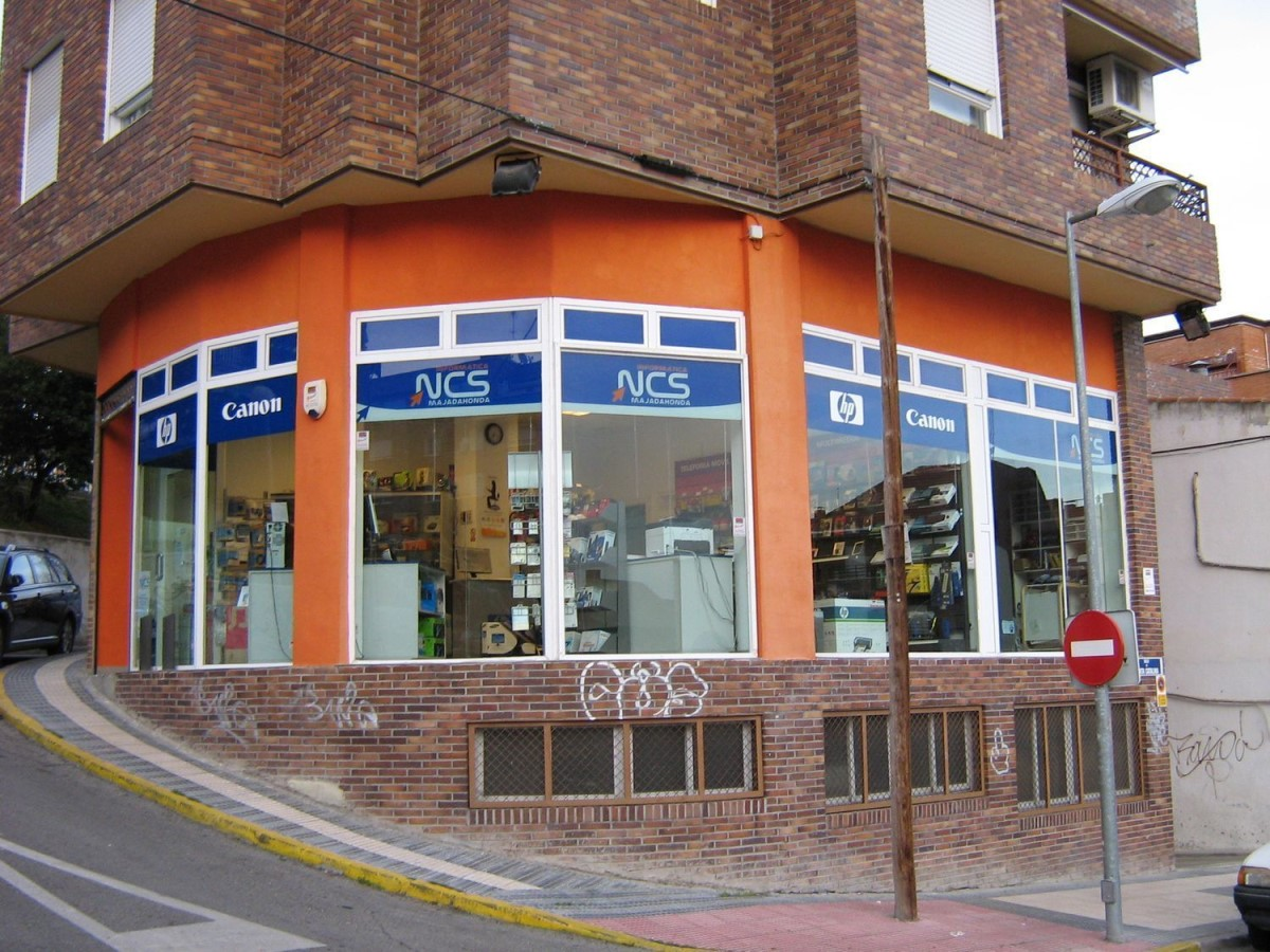 Retail premises  For Sale in  Majadahonda