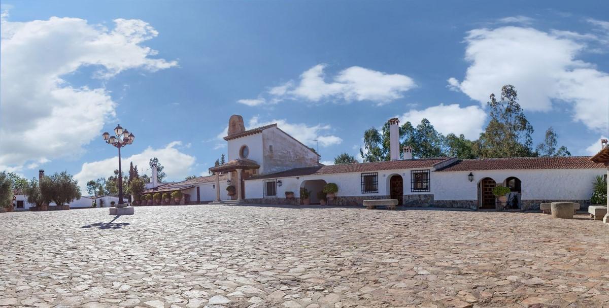Chalet en Venta en  Abenójar