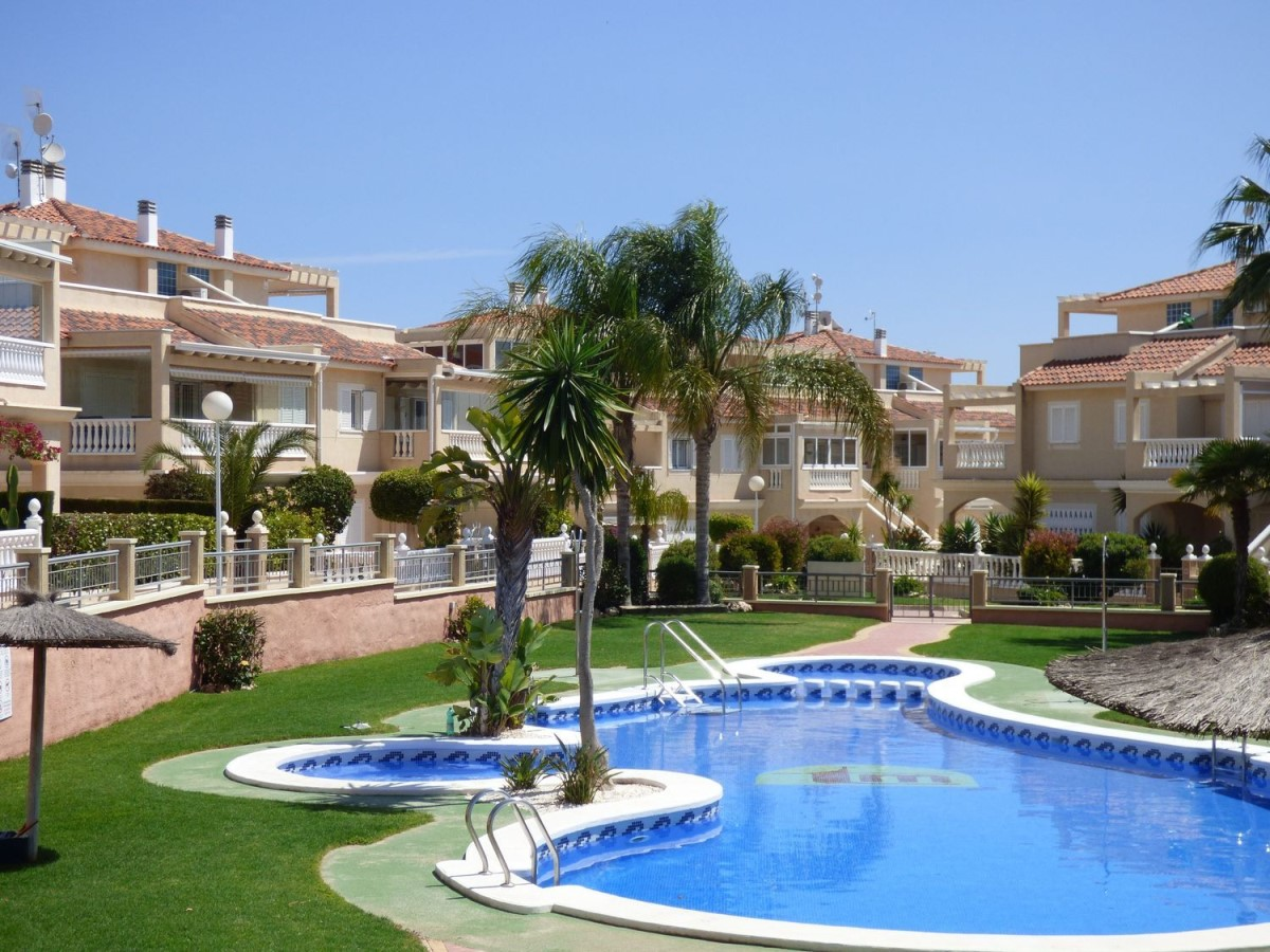 Terraced House  For Sale in Orihuela Costa, Orihuela