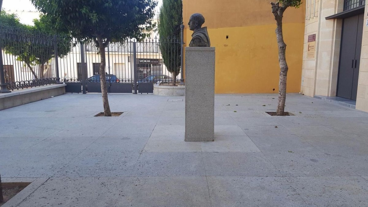 Chalet Adosado en Venta en  Moguer