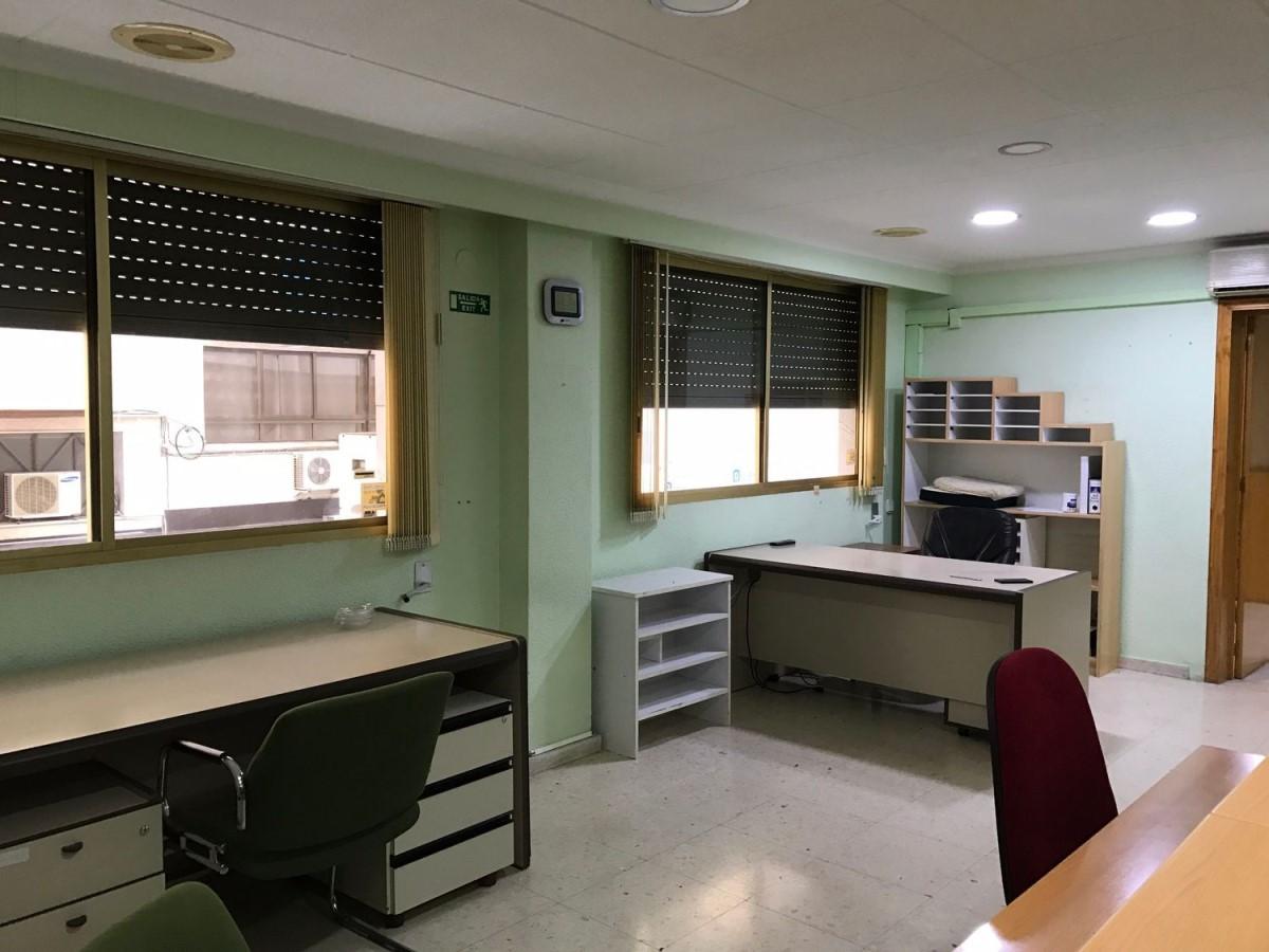 Oficina en Venta en  Santa Pola