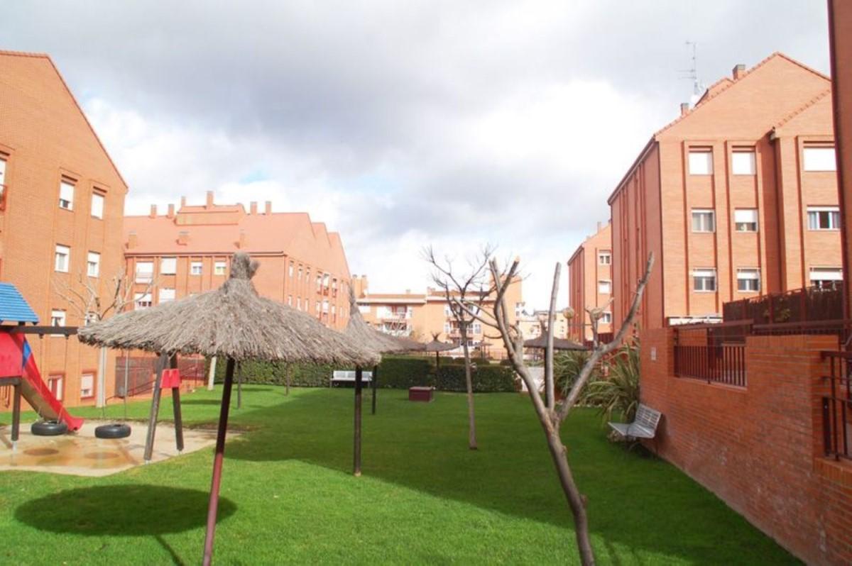 Piso en Venta en Parque Empresarial, Rozas de Madrid, Las
