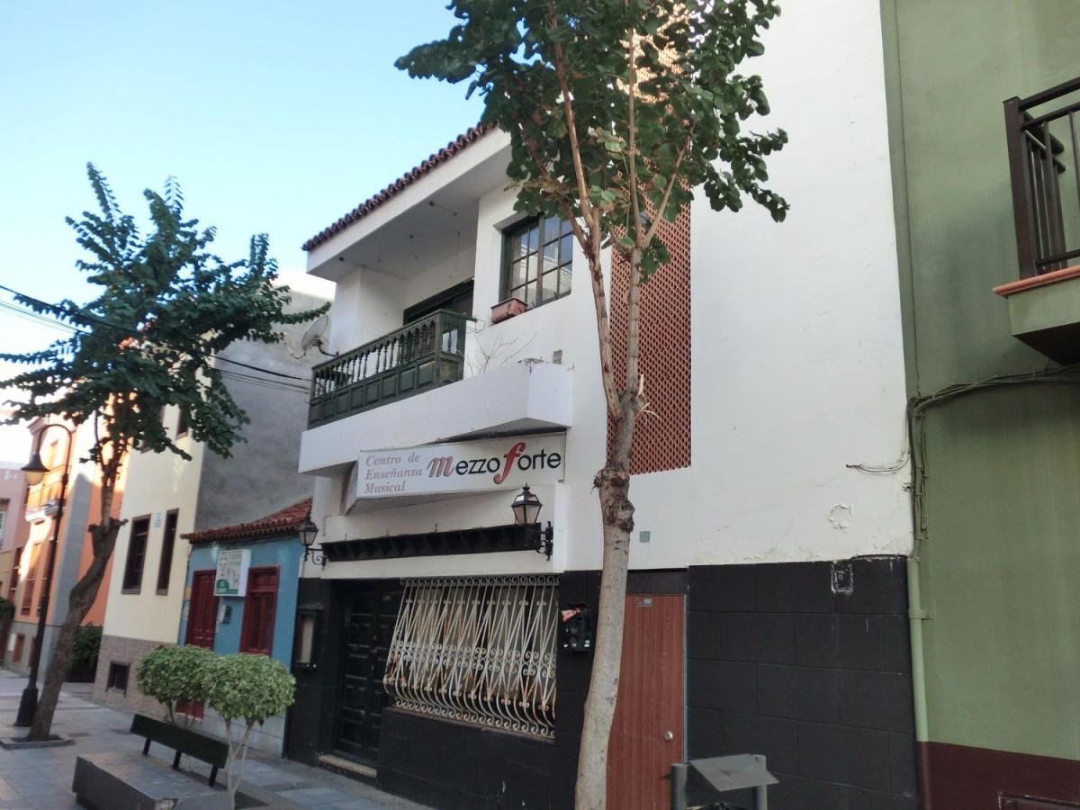 Edificio Mixto en Venta en  Puerto de La Cruz