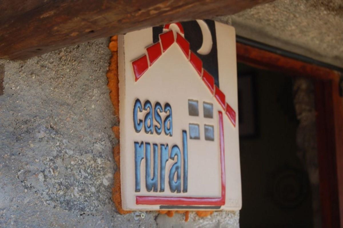 Casa Rural en Venta en  San Bartolomé de Corneja