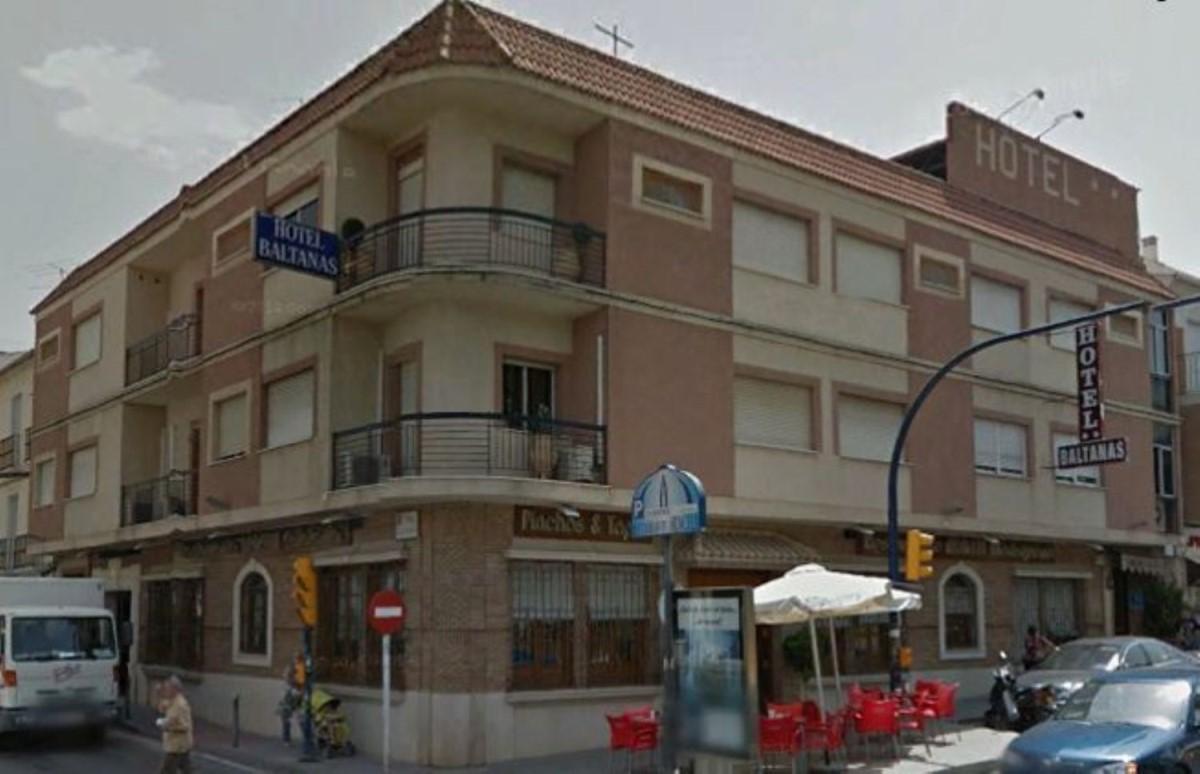 Edificio de Viviendas en Venta en  Lucena