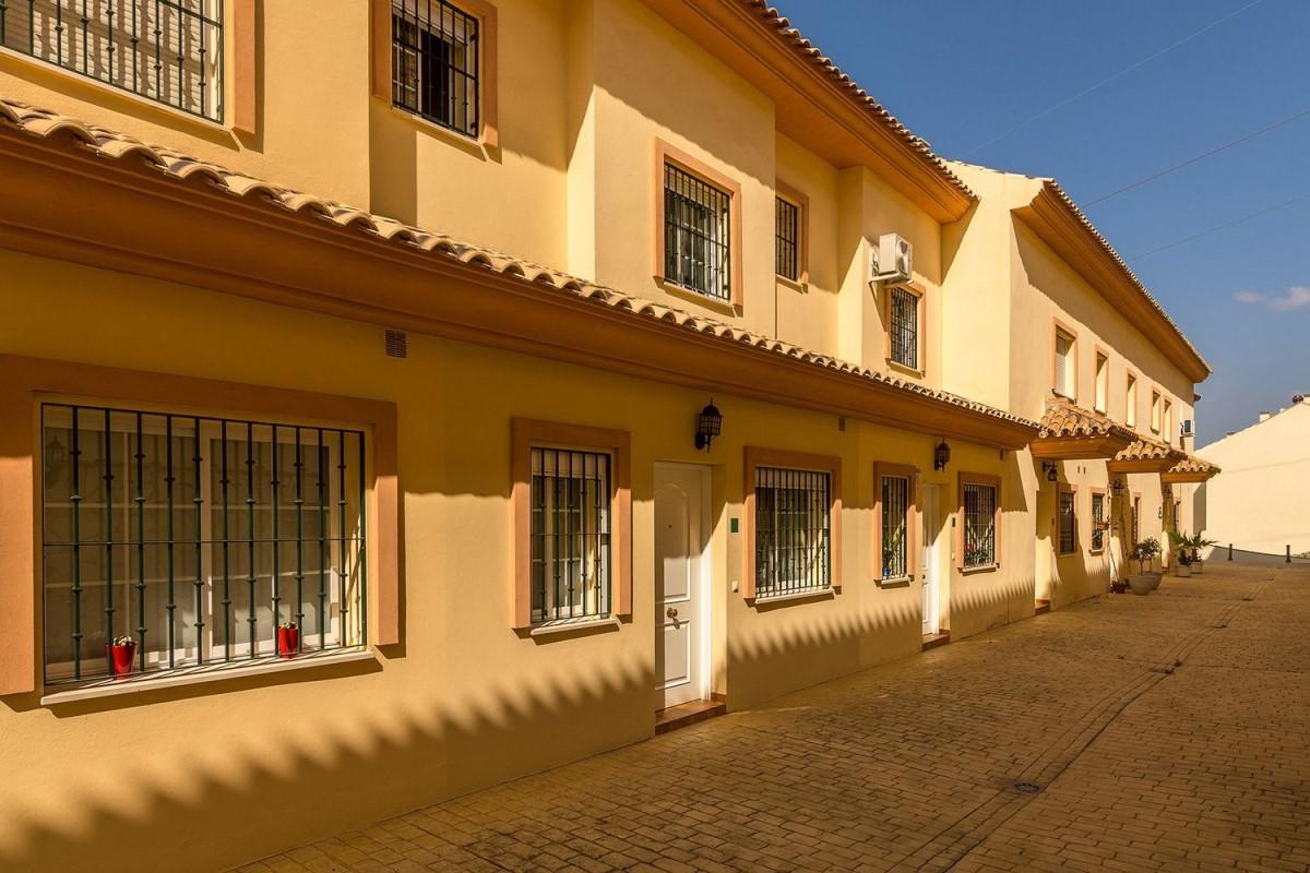 Chalet Adosado en Venta en  Fuengirola