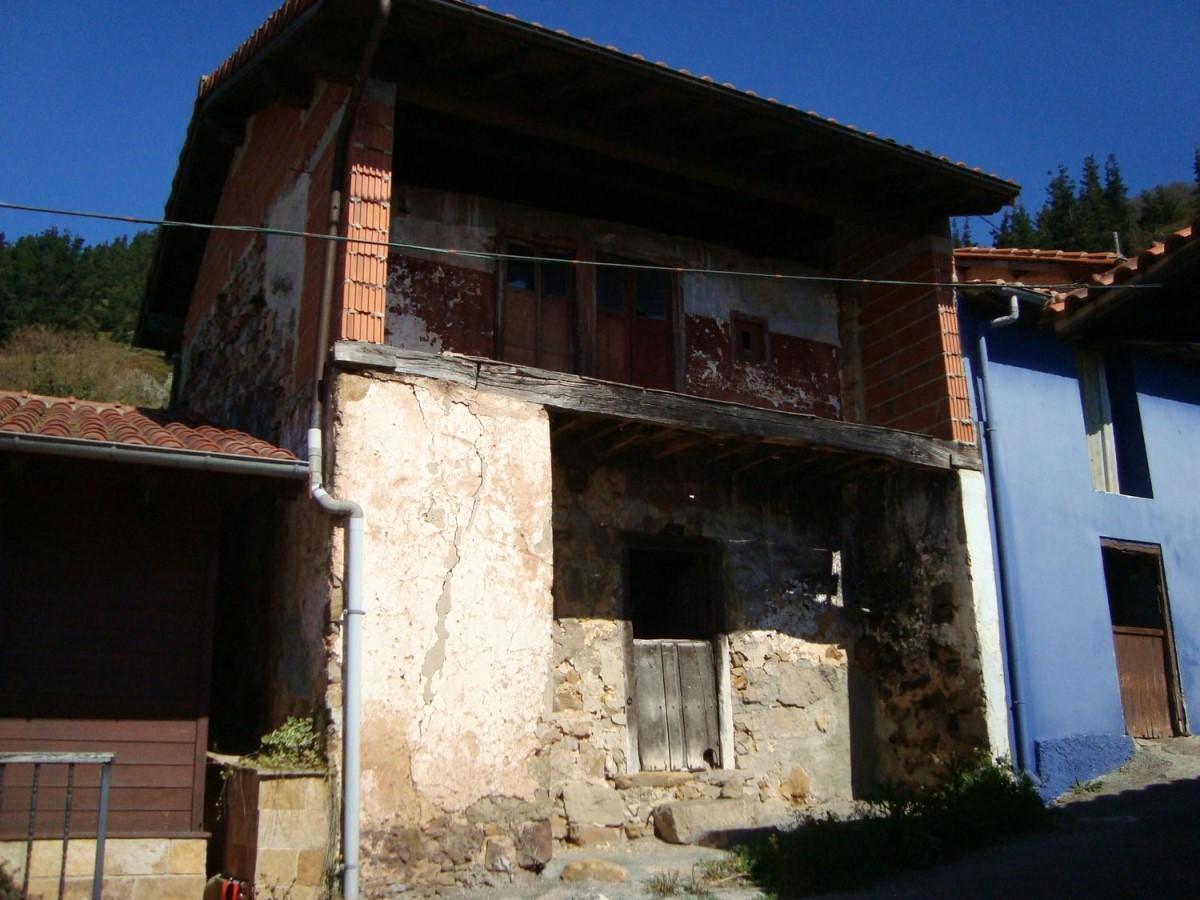 Casa Rural en Venta en  Sariego