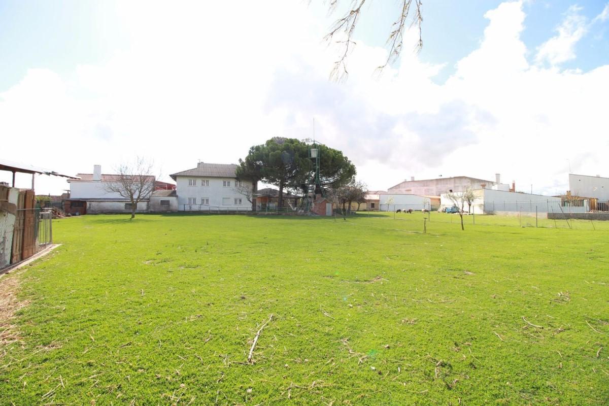Suelo Urbano en Venta en  Galindo y Perahuy