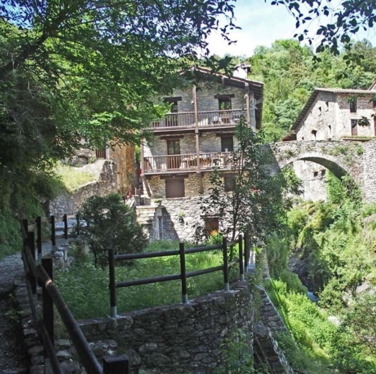 Casa Rural en Venta en  Camprodon
