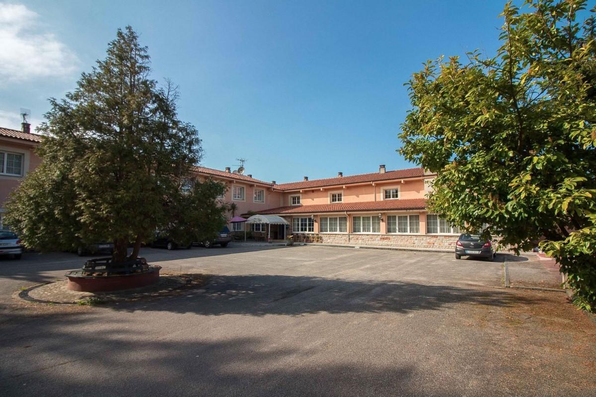 Edificio de Viviendas en Venta en  Nava