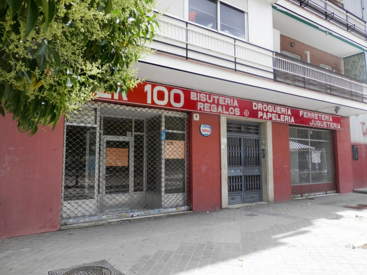 Local Comercial en Venta en Puente De Vallecas, Madrid