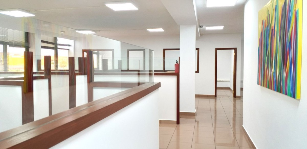 Oficina en Alquiler en  Telde