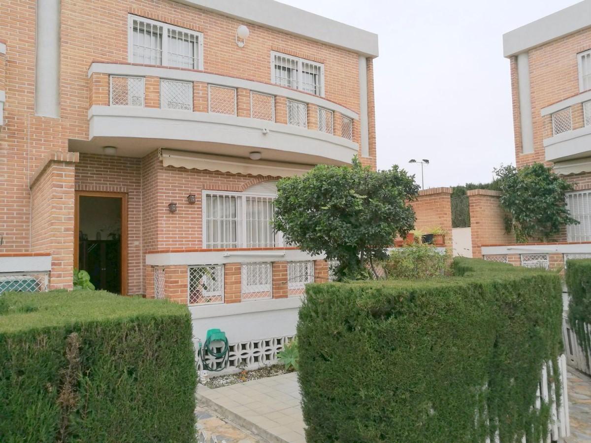 Chalet Adosado en Venta en  San Juan de Alicante
