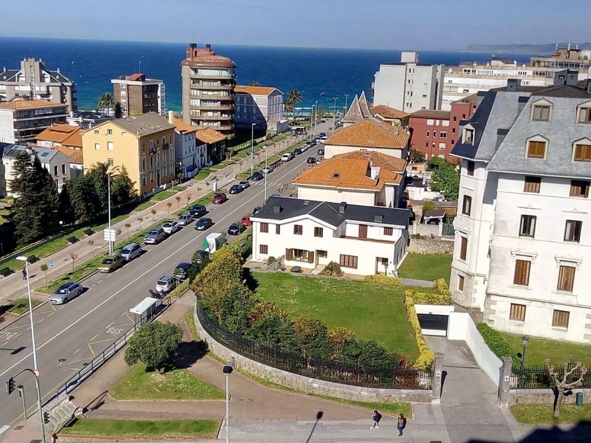 Chalet Adosado en Venta en  Santander
