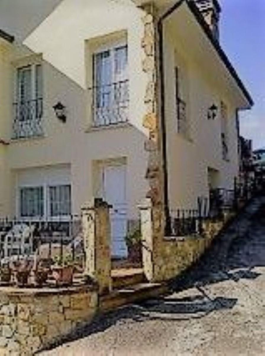 Chalet Adosado en Alquiler en Porceyo - Bernueces, Gijón