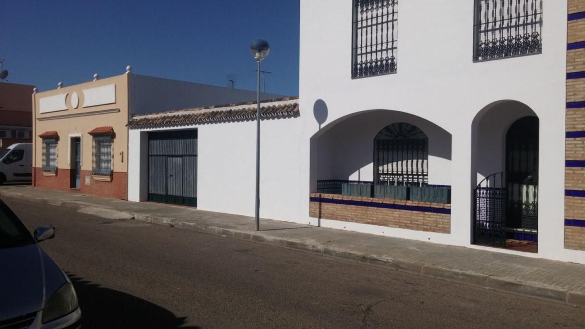 Chalet Adosado en Venta en  Rinconada, La