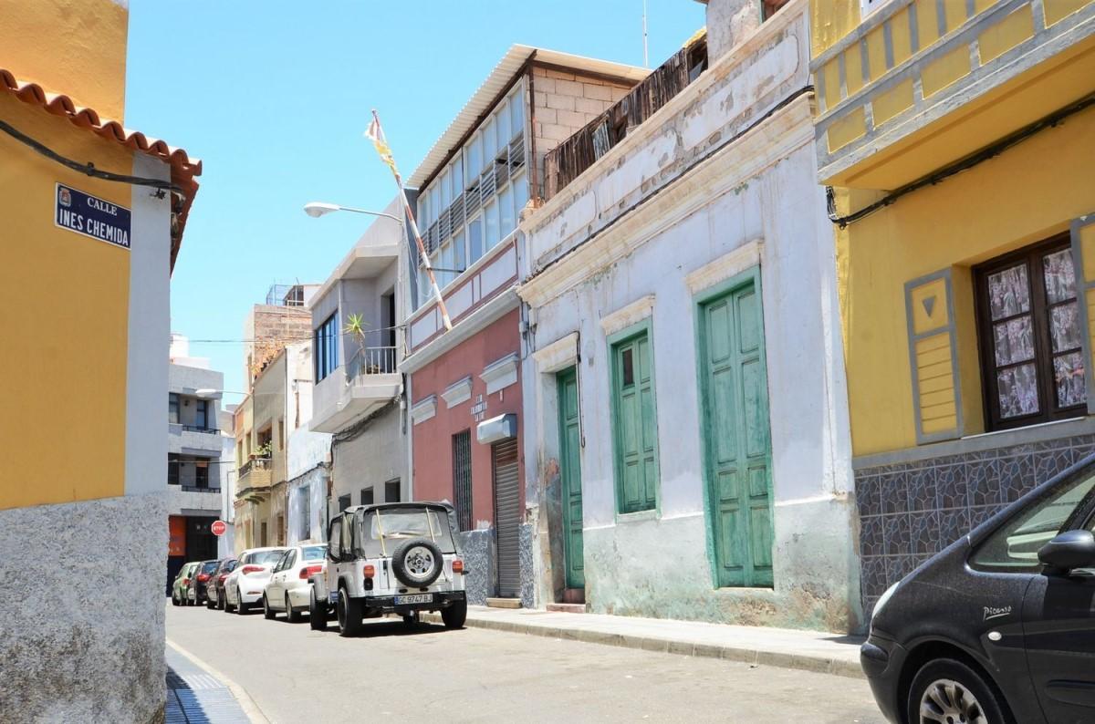 Terraced House  For Sale in Canteras-Puerto, Palmas de Gran Canaria, Las
