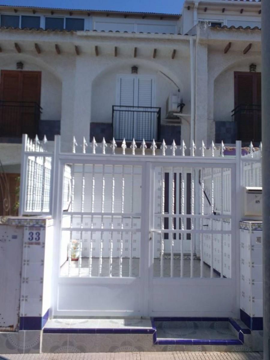 Chalet Adosado en Venta en  Alcázares, Los